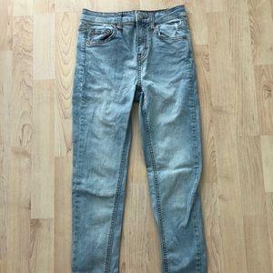 Light wash skinny jeans!